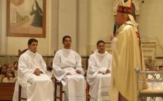 Seminaristas são instituídos leitores e acólitos na Catedral