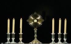 Fiéis celebram festa de Corpus Christi