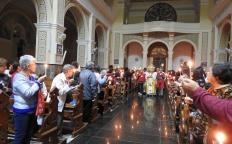 Centenas de pessoas participam de Vigília Eucarística na Catedral
