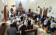 Padres da Arquidiocese celebram missa de corpo presente do Cônego Maurício Corrêa Saraiva