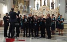 Dezenas de pessoas acompanham o Concerto de Natal do Coral Arquidiocesano Benedictus