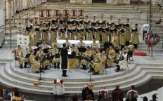 Coro e Banda do Colégio Arautos do Evangelho Internacional apresentam Concerto de Natal para os Pobres na Catedral