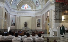 Catedral sedia Missa da Misericórdia com os presos