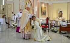 No dia do aniversário de dedicação da Catedral, Arquidiocese de Juiz de Fora ordena novo presbítero